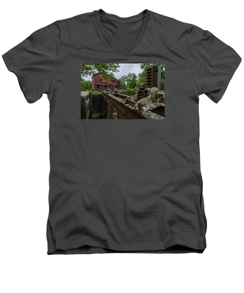 Bonneyville Mills Gears Men's V-Neck T-Shirt