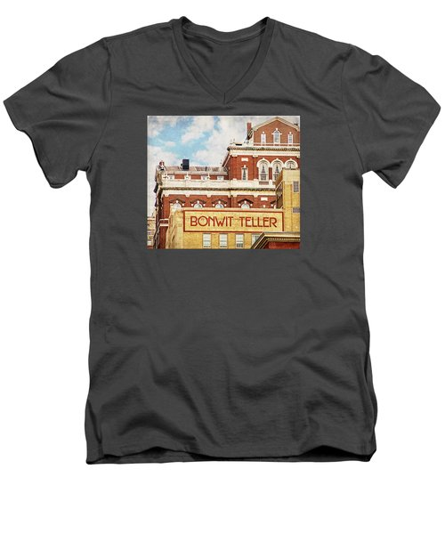 Bonwit Teller Men's V-Neck T-Shirt