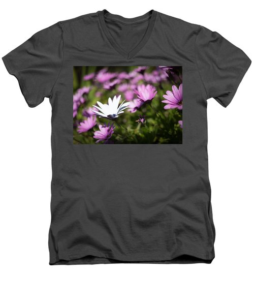 Men's V-Neck T-Shirt featuring the photograph Born To Stand Out by Lora Lee Chapman