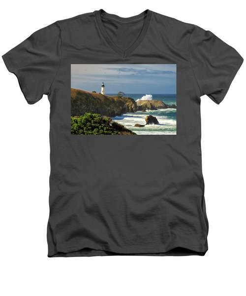 Breaking Waves At Yaquina Head Lighthouse Men's V-Neck T-Shirt
