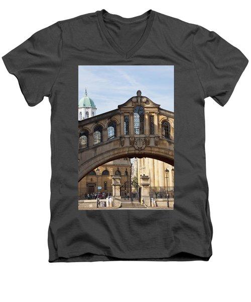 Bridge Of Sighs Oxford Men's V-Neck T-Shirt