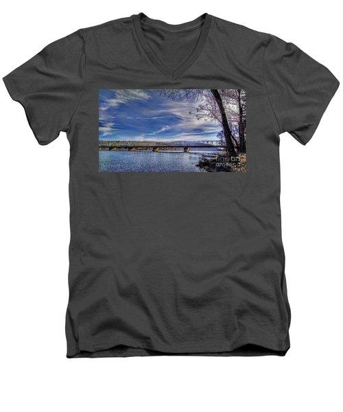 Bridge Over The Delaware River In Winter Men's V-Neck T-Shirt