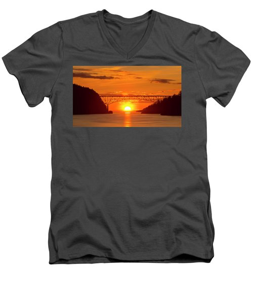 Bridge Sunset Men's V-Neck T-Shirt