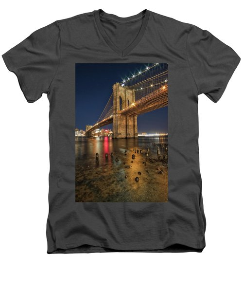 Brooklyn Bridge At Night Men's V-Neck T-Shirt