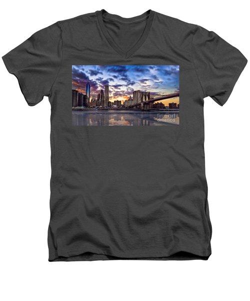 Brooklyn Bridge Manhattan Sunset Men's V-Neck T-Shirt