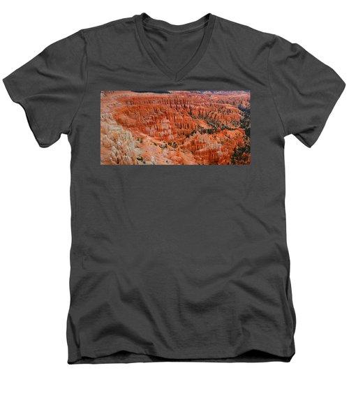 Bryce Canyon Megapixels Men's V-Neck T-Shirt