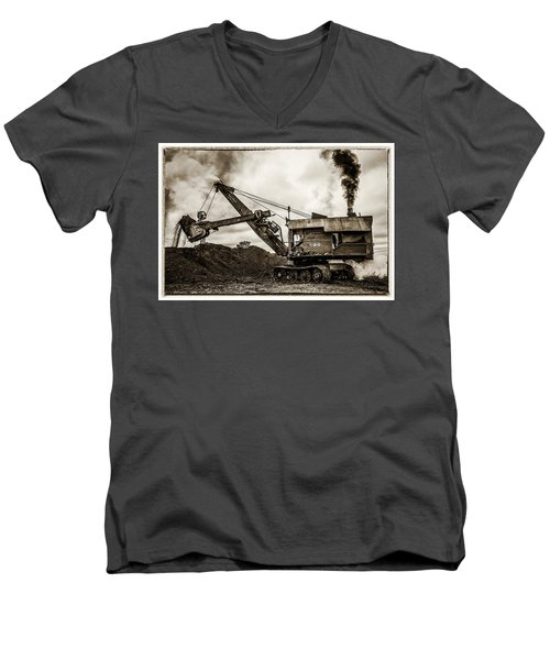 Bucyrus Erie Shovel Men's V-Neck T-Shirt