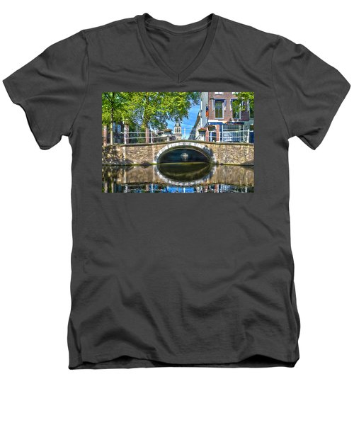 Butter Bridge Delft Men's V-Neck T-Shirt