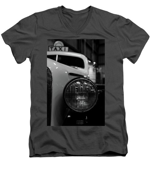 Bw Taxi Men's V-Neck T-Shirt