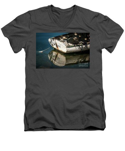Caimito, Baracoa Men's V-Neck T-Shirt
