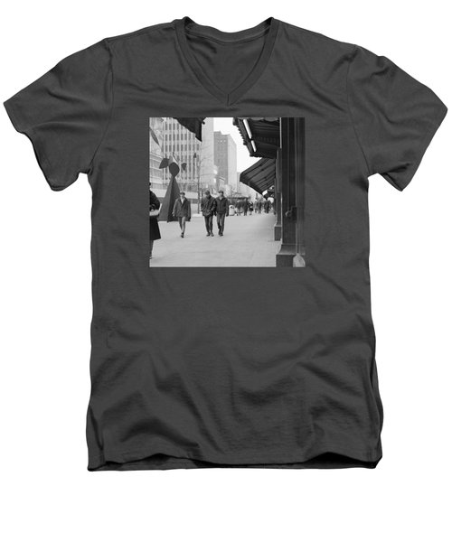 Calder Sculpture On Nicollet Mal Men's V-Neck T-Shirt
