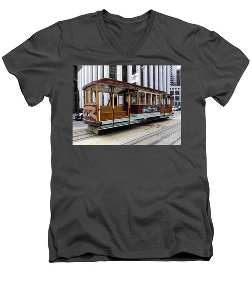California Street Cable Car Men's V-Neck T-Shirt