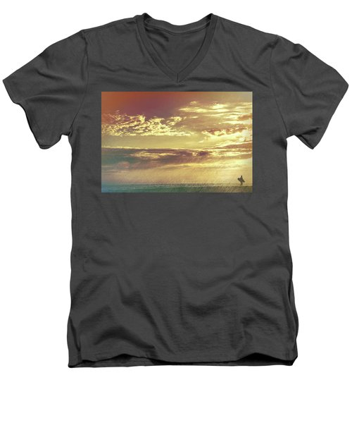 California Sunset Surfer Men's V-Neck T-Shirt