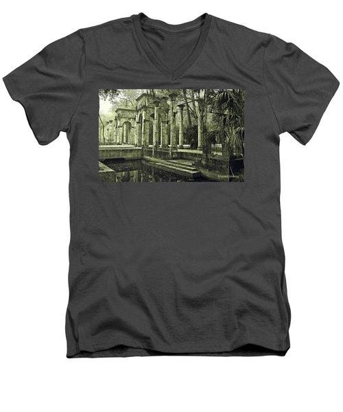 Calle Grande Ruins Men's V-Neck T-Shirt