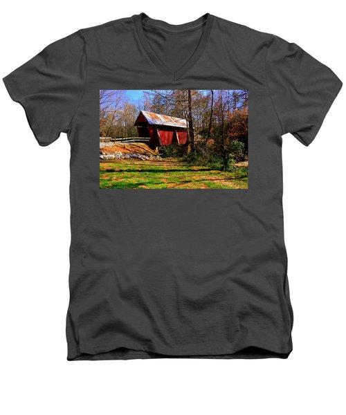 Campbell's Covered Bridge Est. 1909 Men's V-Neck T-Shirt
