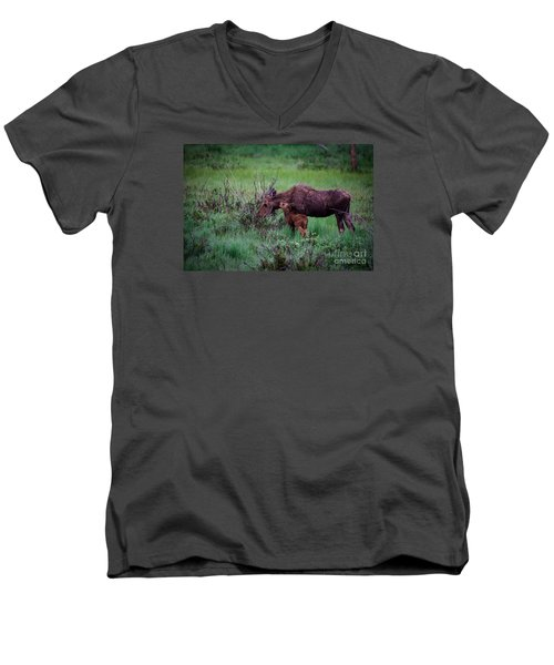 Can You Keep A Secret Men's V-Neck T-Shirt