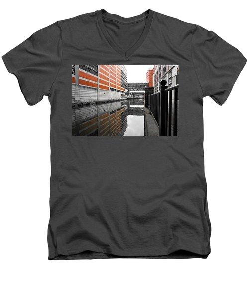 Canal Men's V-Neck T-Shirt