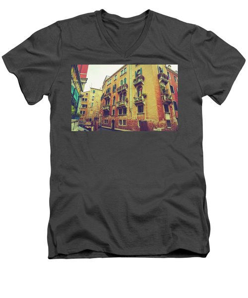 Canal In Venice, Italy Men's V-Neck T-Shirt