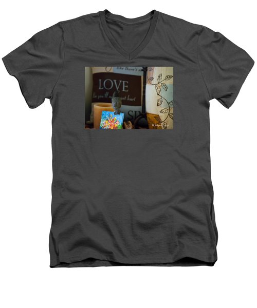 Canto De Amor... Men's V-Neck T-Shirt by Edgar Torres