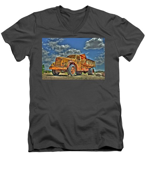 Canyon Concrete 3 Men's V-Neck T-Shirt