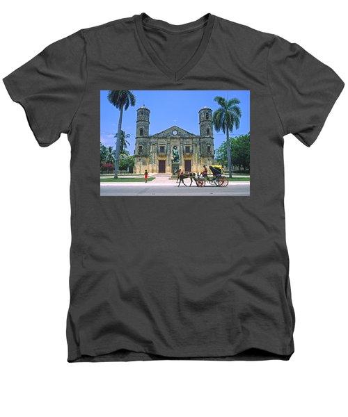Cardenas, Cuba Men's V-Neck T-Shirt