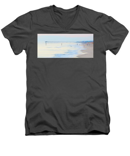 Carolina Beach Thanksgiving Day Men's V-Neck T-Shirt