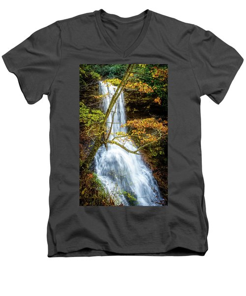 Cascades Deck View Men's V-Neck T-Shirt
