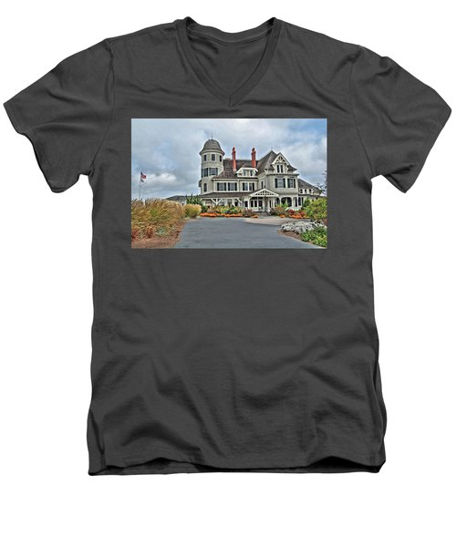 Castle Hill Inn Men's V-Neck T-Shirt