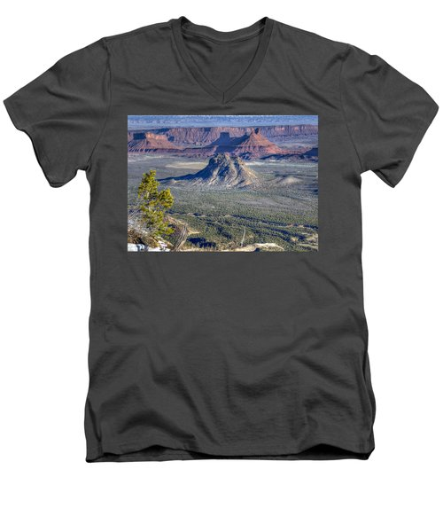 Men's V-Neck T-Shirt featuring the photograph Castle Valley Overlook by Alan Toepfer