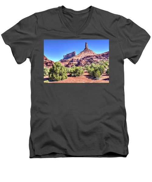 Men's V-Neck T-Shirt featuring the photograph Castleton Tower by Alan Toepfer