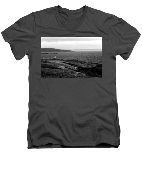 Cattle Point Lighthouse Men's V-Neck T-Shirt