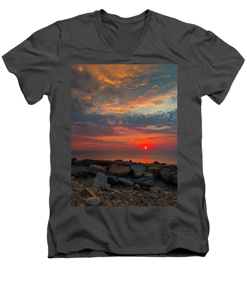 Cedar Point Sunrise Men's V-Neck T-Shirt