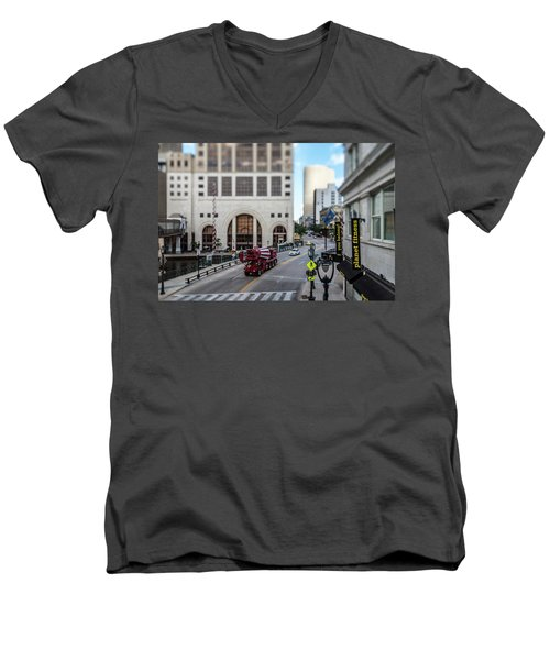 Cement Truck In The Itty-bitty-city Men's V-Neck T-Shirt