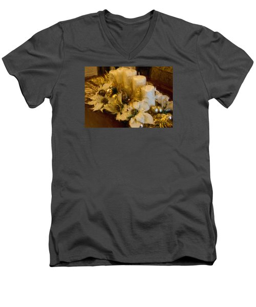 Centerpiece For Christmas Men's V-Neck T-Shirt