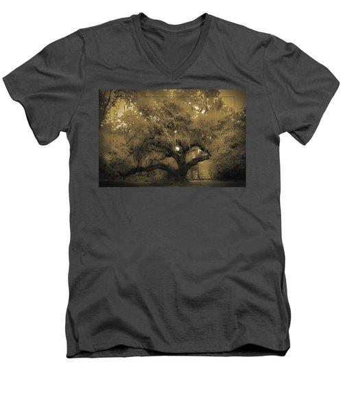 Centurion Oak Men's V-Neck T-Shirt