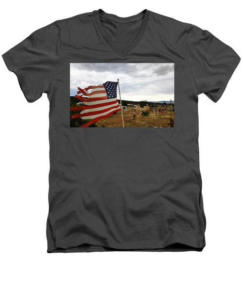 Cerro, New Mexico Men's V-Neck T-Shirt