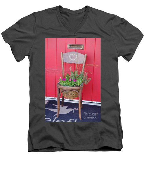 Chair Planter Men's V-Neck T-Shirt
