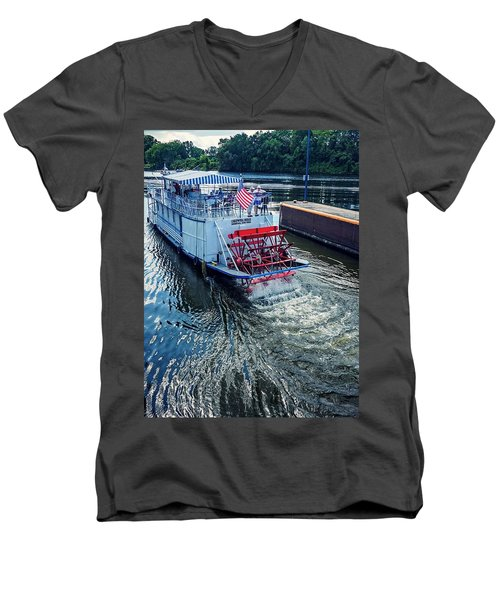 Champlain Canal Patriot Men's V-Neck T-Shirt