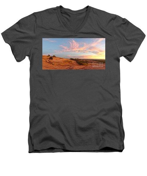 Chasing Angels Of Light Over Enchanted Rock - Fredericksburg Texas Hill Country Men's V-Neck T-Shirt