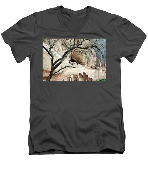 Chelly Framed Men's V-Neck T-Shirt
