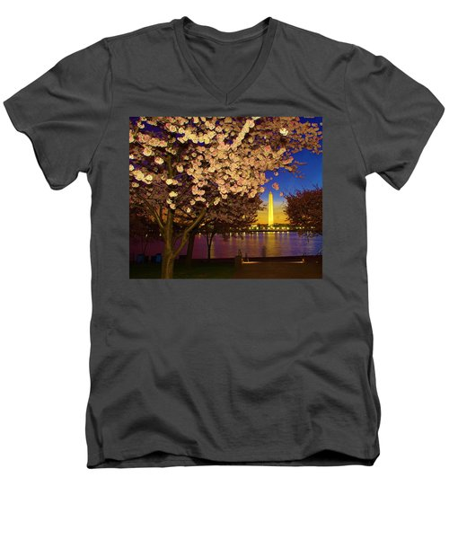Cherry Blossom Washington Monument Men's V-Neck T-Shirt