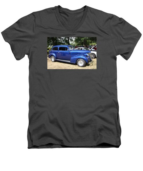 Chevy Town Sedan 1939 Men's V-Neck T-Shirt