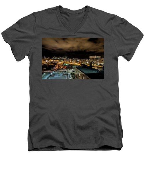 Chicago City And Skyline Men's V-Neck T-Shirt