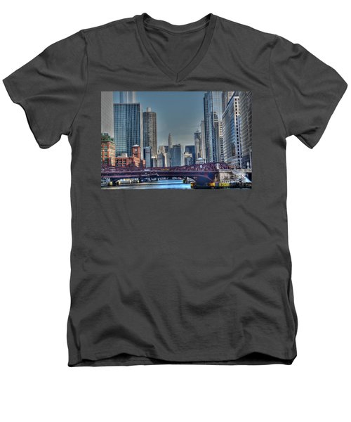 Chicago River East Men's V-Neck T-Shirt
