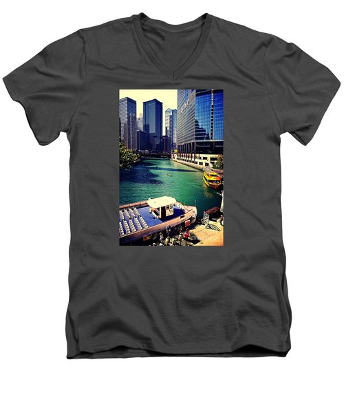 City Of Chicago - River Tour Men's V-Neck T-Shirt