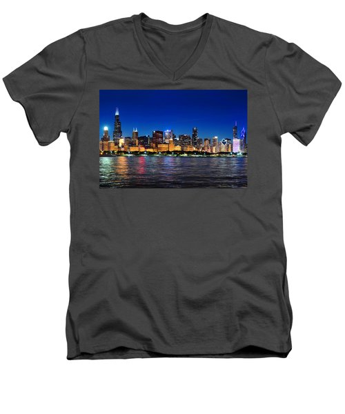 Chicago Shorline At Night Men's V-Neck T-Shirt