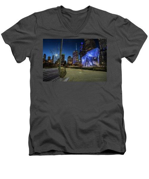 Chicago Skyline Form Maggie Daley Park At  Dusk Men's V-Neck T-Shirt