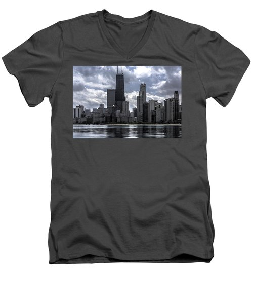 Chicago Skyline Ver3 Men's V-Neck T-Shirt