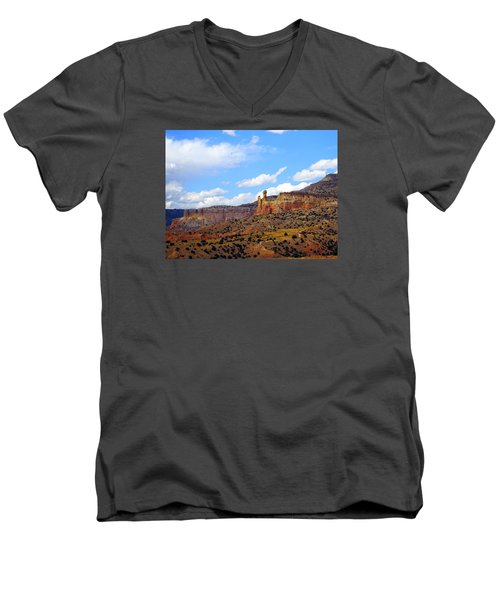 Chimney Rock Ghost Ranch New Mexico Men's V-Neck T-Shirt