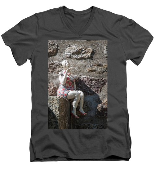 China Girl Men's V-Neck T-Shirt